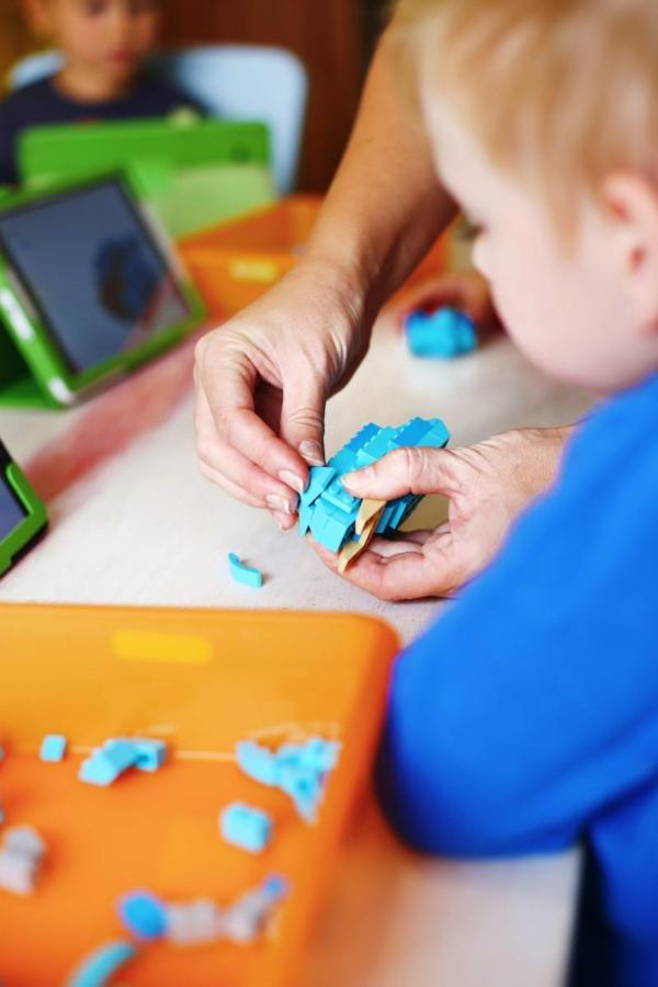 МОДЕЛЮВАННЯ З LEGO EDUCATION